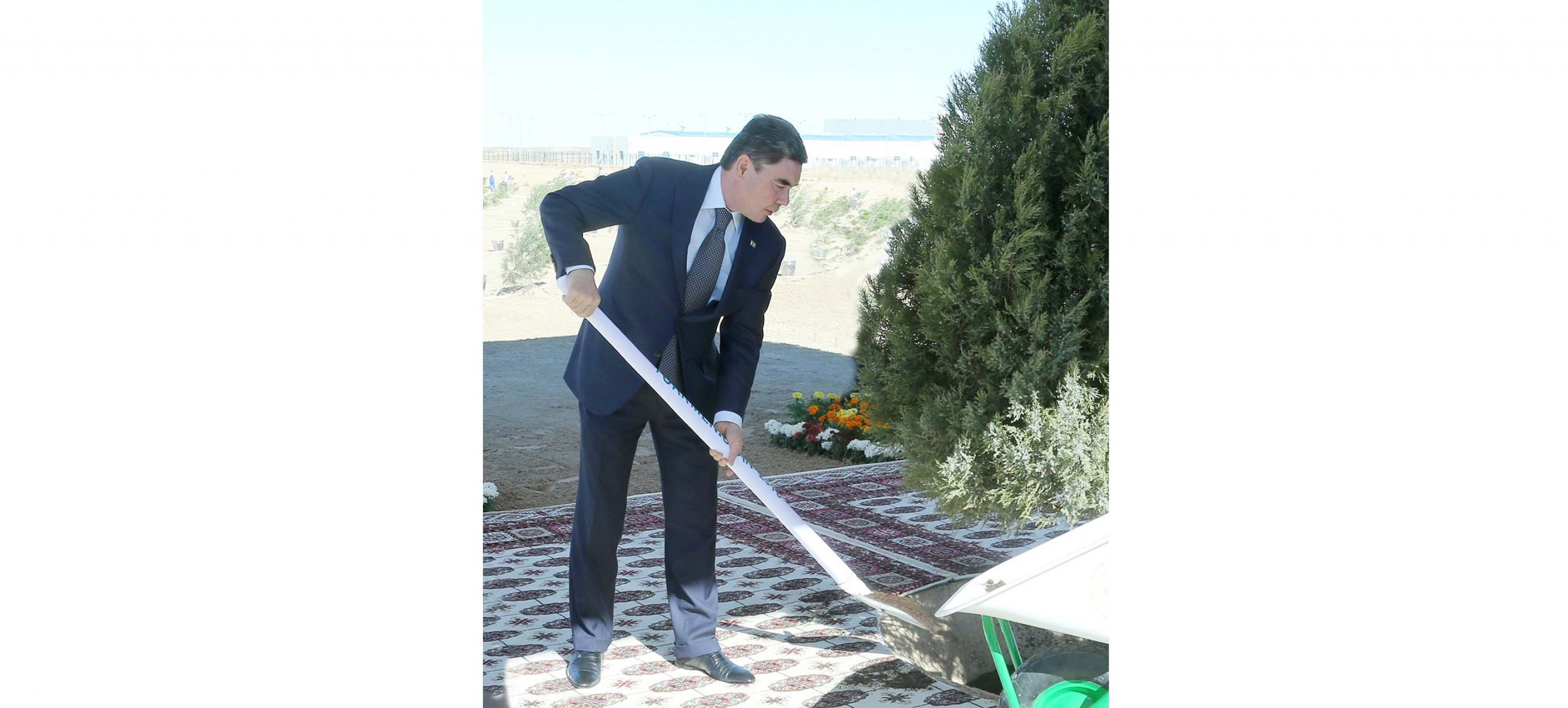 PRESIDENT OF TURKMENISTAN PARTICIPATED IN LANDSCAPING CAMPAIGN IN KIYANLY