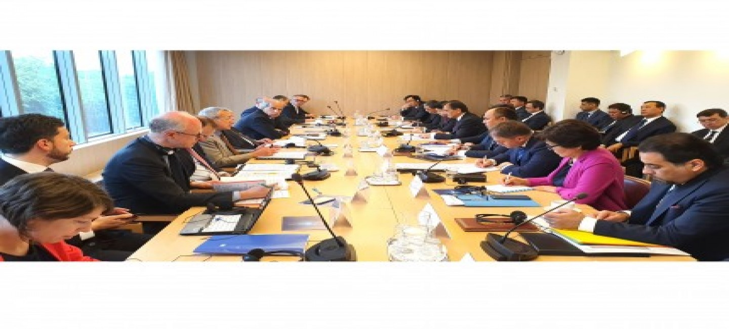 EUROPEAN UNION AND CENTRAL ASIA EXPAND COOPERATION